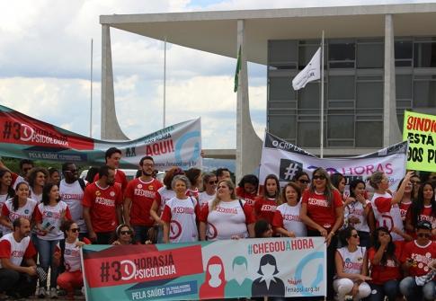 You are currently viewing Psicólogas(os) de MS montam caravana para derrubar veto do PL 30 horas em Brasília, dia 14