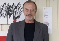 You are currently viewing Psicanalista Antônio Quinet promove aula-espetáculo em Campo Grande