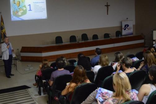 You are currently viewing Conselho discutiu qualidade de vida no trabalho com Dr. Mario Cesar Ferreira