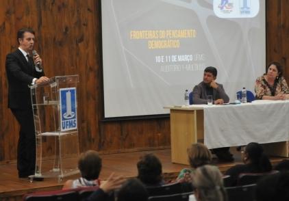 You are currently viewing Falta de Direitos Humanos promove crise prisional, apontam especialistas