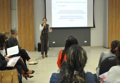You are currently viewing Roda de Conversa em Campo Grande orienta profissionais
